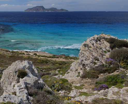 week end in barca a vela isole egadi sicilia