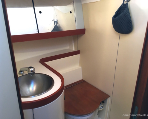 week end in barca a vela cabine con bagno